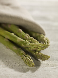 Green asparagus, close up - CH000016