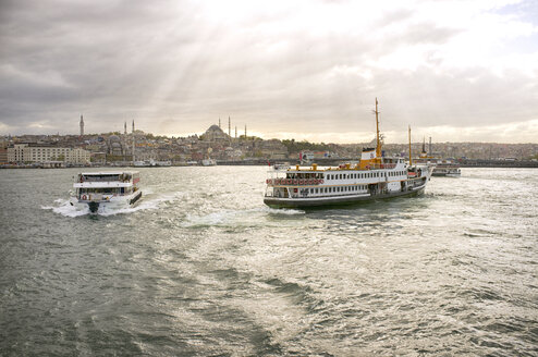Turkey, Istanbul, View of Bosphorus and Sultan Ahmed Mosque with Ferrys crossing on Sea of Marmara - TK000004