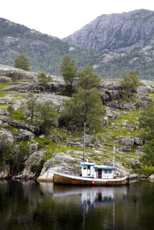 Norway, View of fjord in mountain - TK000034