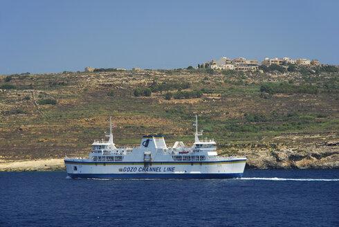 Malta, View of ferry boat at Gozo Island - MIZ000258