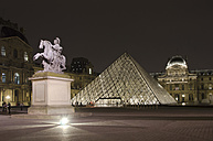 France, Paris, Musee du Louvre museum by night - ON000042