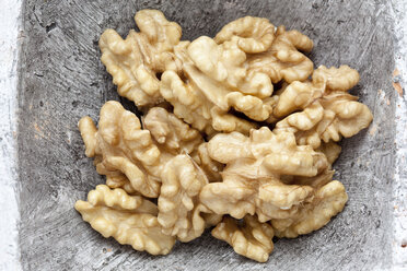 Walnut kernels, close up - CSF018020