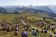 Austria, Vorarlberg, People sitting on Diedamskopf mountain near Schoppernau - SIE003578