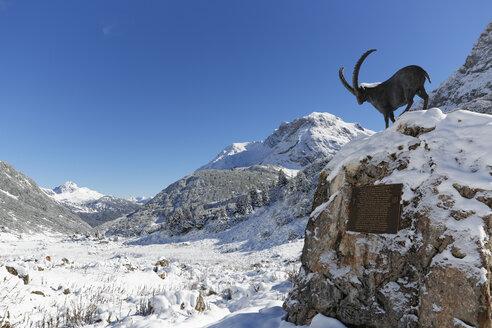 Austria, Vorarlberg, View of Lechquellengebirge mountain and Zugertal valley - SIEF003593