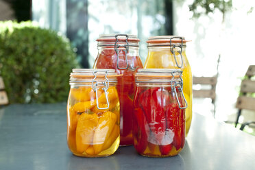 Germany, Duesseldorf, Pickles and  vegetables in glass jar - KVF000011