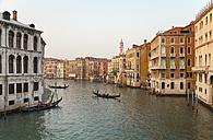 Italy, Venice, Gondolas on Canal Grande near Rialto Bridge - HSIF000246