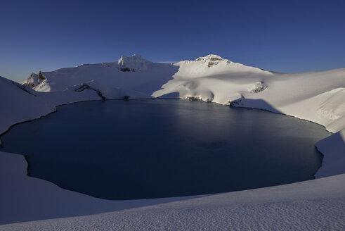 New Zealand, View of Ruapehu volcano - MR001406