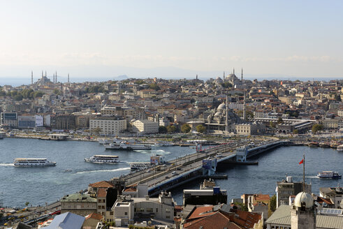 Turkey, Istanbul, View of Galata tower and Galatabridge at Golden horn - LH000019