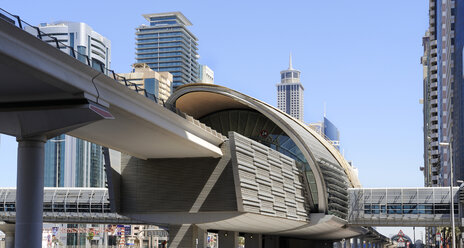 United Arab Emirates, Dubai, View of Metro station and financial center at Shaikh Zayed Road - LH000058