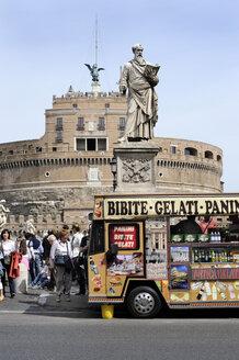 Italy, Rome, View of Castel Sant'Angelo - MIZ000309