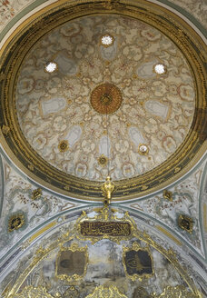 Turkey, Istanbul, Interior of painted ceiling of  Topkapi palace - LH000102