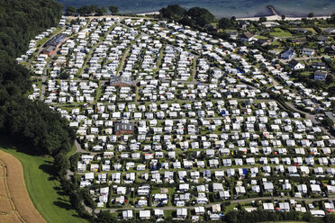 Germany, View of trailer park - FB000048