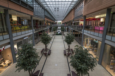 Germany, Berlin, Interior of Potsdamer Platz Arkaden - CB000040