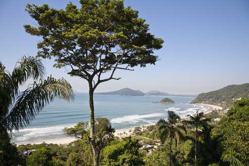 Brazil, View of Guaruja beach - NDF000402