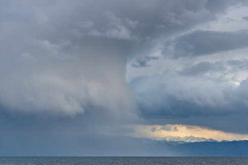 Germany, Rain clouds in heavy wind at Lake Constance - SH000702