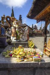 Indonesia, Statue in Pura Ulun Danu Batur temple at village Batur - AM000034