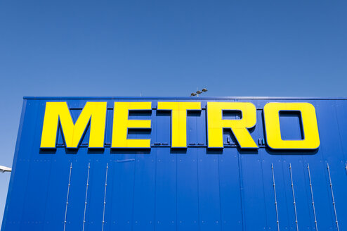 Germany, Berlin, Logo of Metro Cash and Carry - CB000063