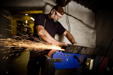 Welder at work - CNF000060