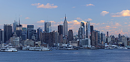 USA, New York State, New York City, View of Manhattan with Hudson river - RUEF001063
