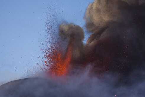 Italy, View of  Lava erupting from Mount Etna - RM000611