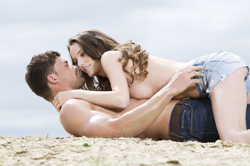Germany, Bavaria, Young couple falling in love - MAEF006732