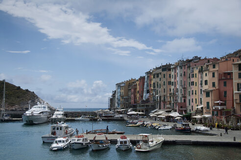 Italy, Tuscany, View of Port Portovenere - BST000080