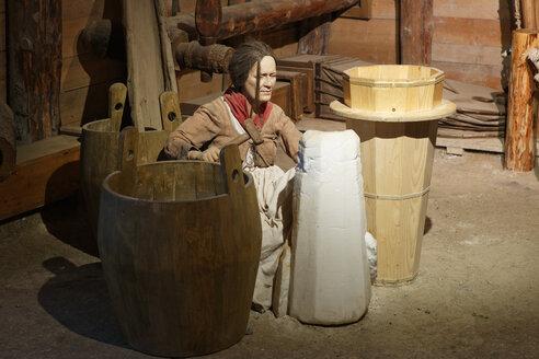 Austria, Salzburg, Woman working in salt mine - SIE003844