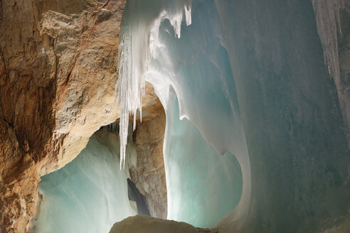 Austria, Werfen, View of Eisriesenwelt Ice Cave - SIE003868