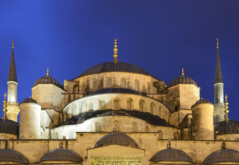 Turkey, Istanbul, View of Sultan Ahmed Mosque - LH000151