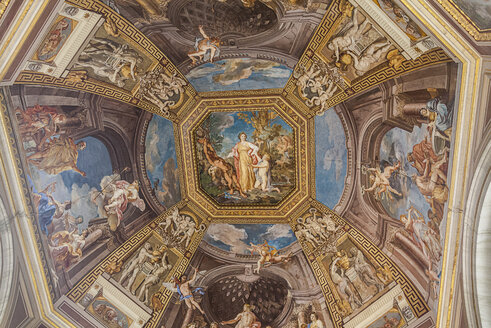 Italy, Rome, Painted ceiling of Vatican Museum - HA000106