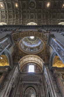 Italy, Rome, Interior of St Peters Basilica - HA000132
