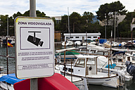 Spain, Mallorca, Information sign at Portopetro - AM000343