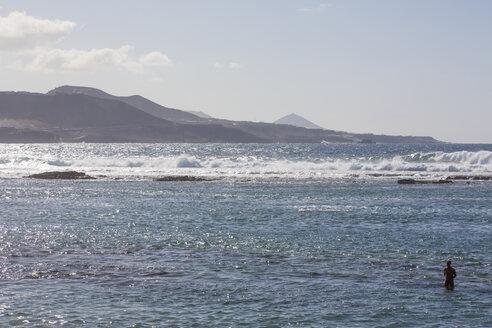 Spain, Las Palmas, Gran Canaria, View of Playa de las Canteras beach - MAB000119