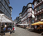 Germany, Hesse, Marburg, View of old town and marketplace - AM000639