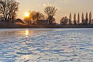 Germany, View of field of drifting ice during sunset - SH000831