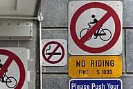 Asia, Singapore, Singapore, prohibition signs - MIZ000432