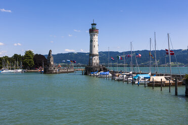 Germany, Bavaria, View of lighthouse at Lindau - AM000697