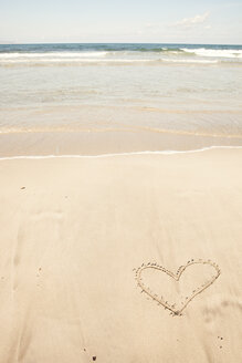 Spain, View of heart shape in sand - SKF001399