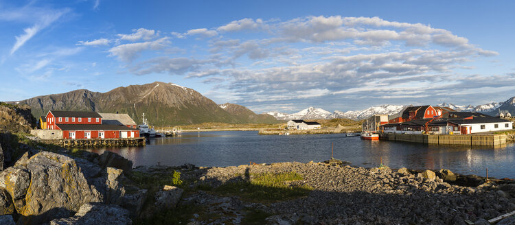 Norway, View of harbour - STS000067