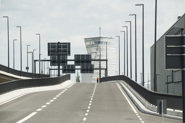 Germany, Berlin, Empty road of new airport - FB000076