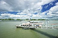 Germany, North Rhine-Westphalia, Dusseldorf, Tourboat at landing stage on River Rhine - MF000643