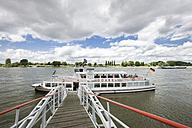 Germany, North Rhine-Westphalia, Dusseldorf, Tourboat at landing stage on River Rhine - MF000644