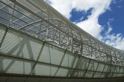 Germany, North Rhine-Westphalia, Dusseldorf, Exterior of airport terminal - MFF000627