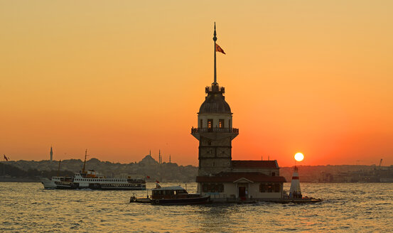 Turkey, Istanbul, View of Maidens Tower - LH000216