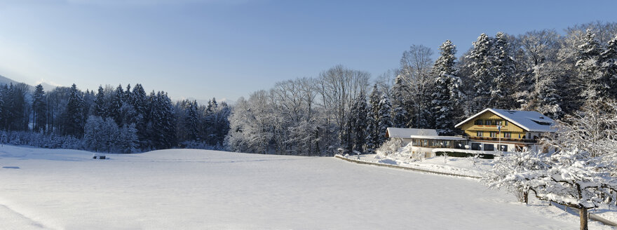 Germany, View of cafe during winter - LB000209