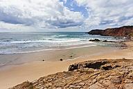 Portugal, Lagos, View of Praia do Amado beach - WDF001853