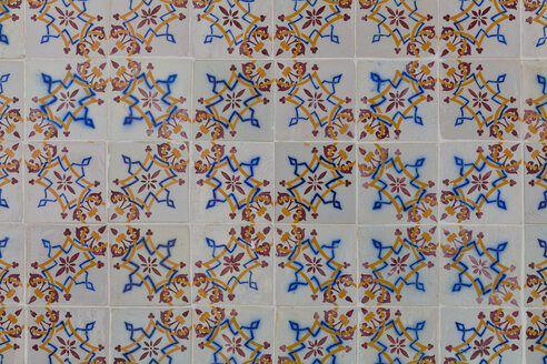 Portugal, Ceramic tilework, close up - WDF001811