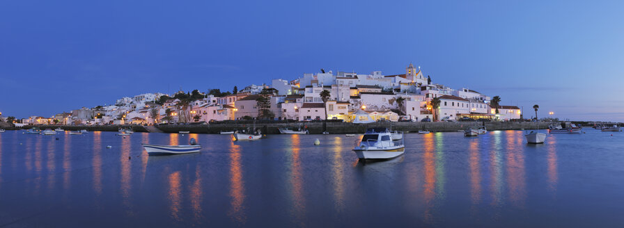 Portugal, View of Ferragudo - RUE001124