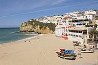 Portugal, Lagos, Faro, View of Carvoeiro with beach - RUE001132