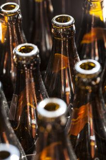 Germany, Baden Wuerttemberg, Glass bottle neck, close up - HAF000205